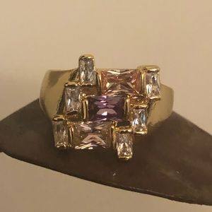 Beautiful Gold Toned Ring w/ Multi Colored Stones